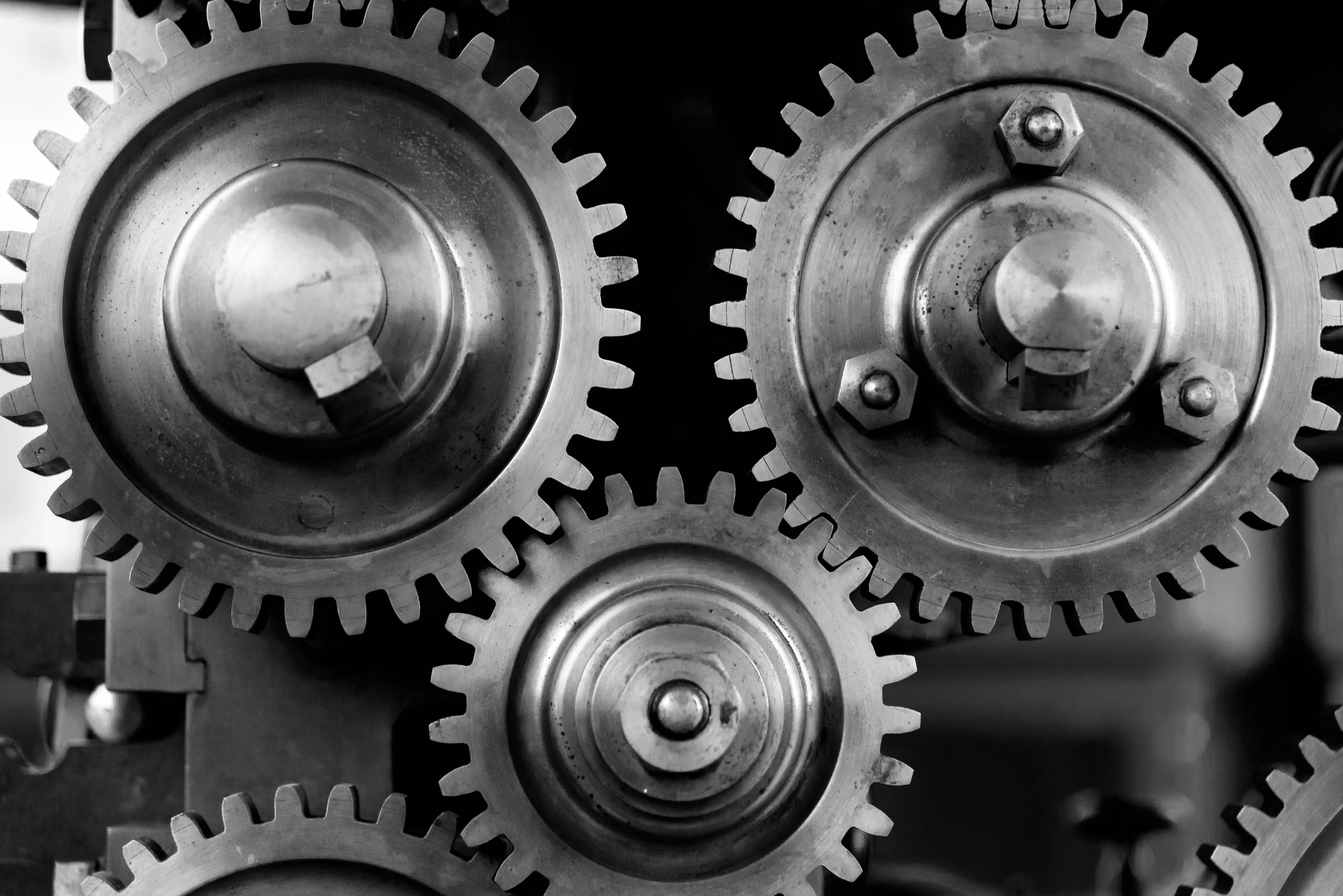 close-up-cogs-gears-149387